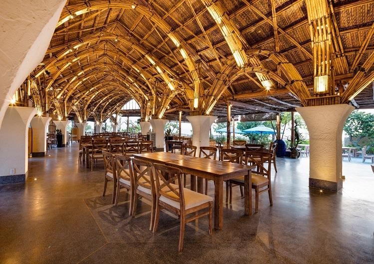 Nhà hàng xây từ 25.000 cây tầm vông