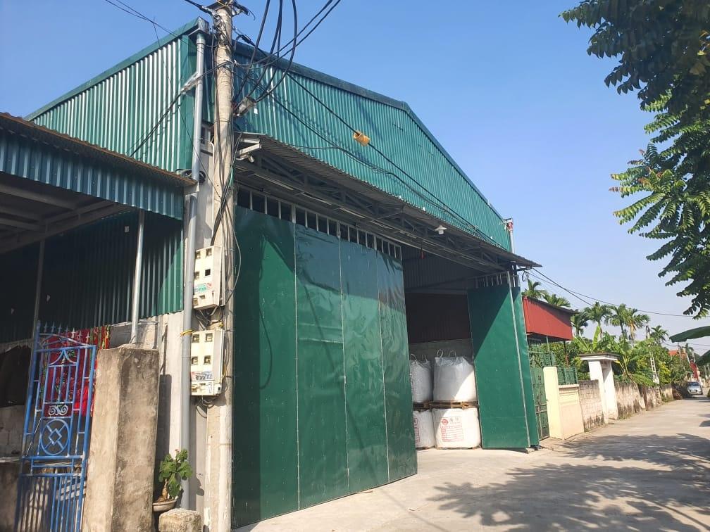 """Hưng Yên: Chính quyền """"bật đèn xanh"""" Công ty Thọ Vinh xây dựng nhà xưởng không phép trong khu dân cư?"""