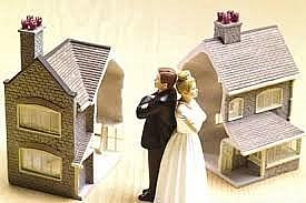 Vợ chồng ly hôn, chia quyền sử dụng đất thế nào?