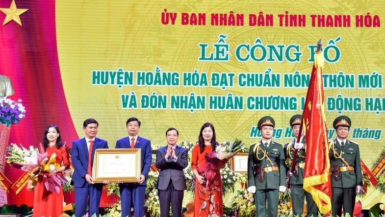 Thanh Hóa: Huyện Hoằng Hóa đón nhận Bằng đạt chuẩn Nông thôn mới và Huân chương Lao động hạng III