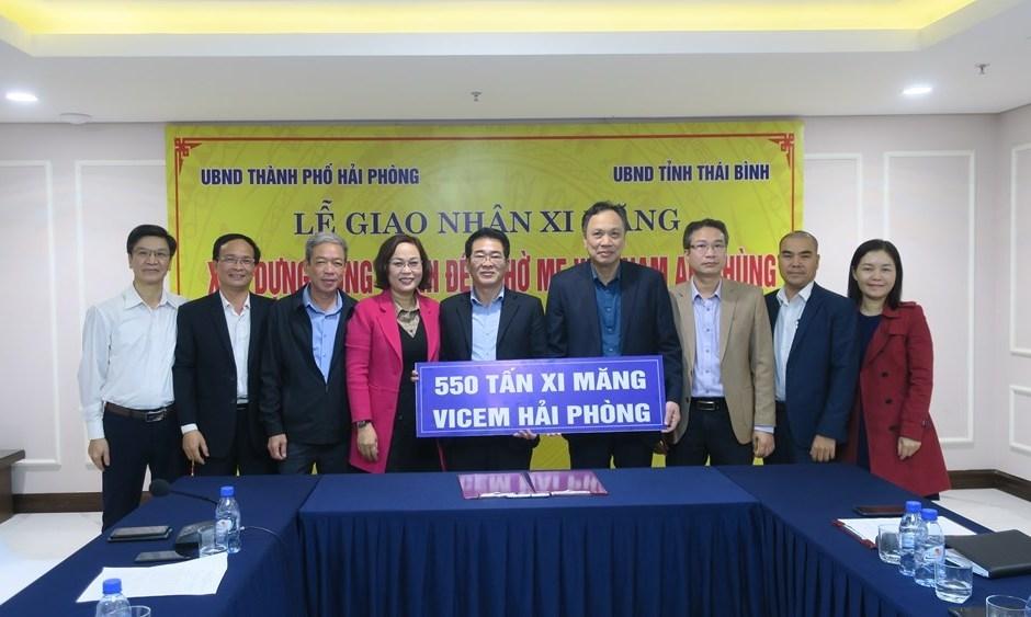 Hải Phòng: Trao tặng 550 tấn xi măng xây dựng đền thờ Mẹ Việt Nam Anh hùng tỉnh Thái Bình