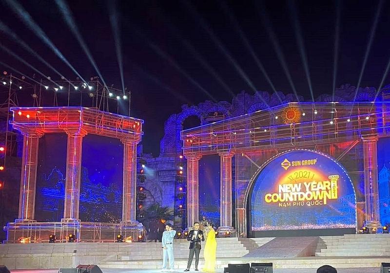 hang nghin nguoi bung no trong dai nhac hoi new year countdown 2021 nam phu quoc