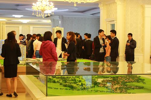 Hơn 200 căn hộ FLC Complex được đặt mua trong ngày mở bán chính thức