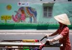 Hàng loạt bức tường bẩn ở trung tâm Sài Gòn được 'thay áo'