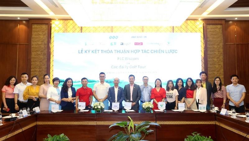 """""""Cú bắt tay"""" đột phá của FLC Biscom với 10 đại lý golf tour lớn nhất Việt Nam"""