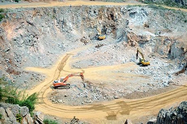 Đóng cửa mỏ đá làm VLXD tại TP Cẩm Phả