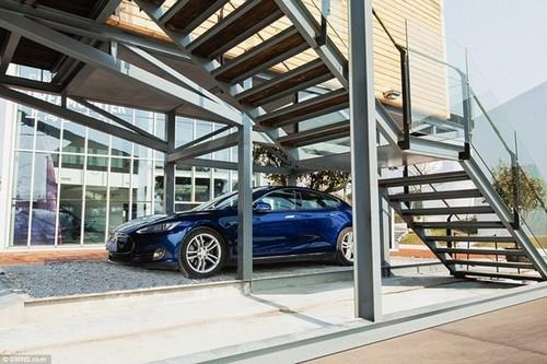 140223baoxaydung 5 Tham quan bên trong căn nhà siêu mỏng 7m2 có chỗ đỗ xe
