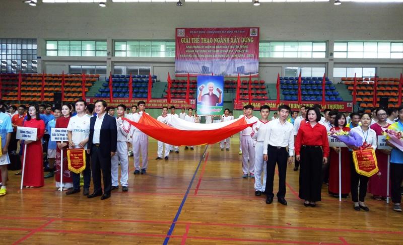 Khai mạc giải Thể thao chào mừng kỷ niệm 60 năm truyền thống ngành Xây dựng Việt Nam