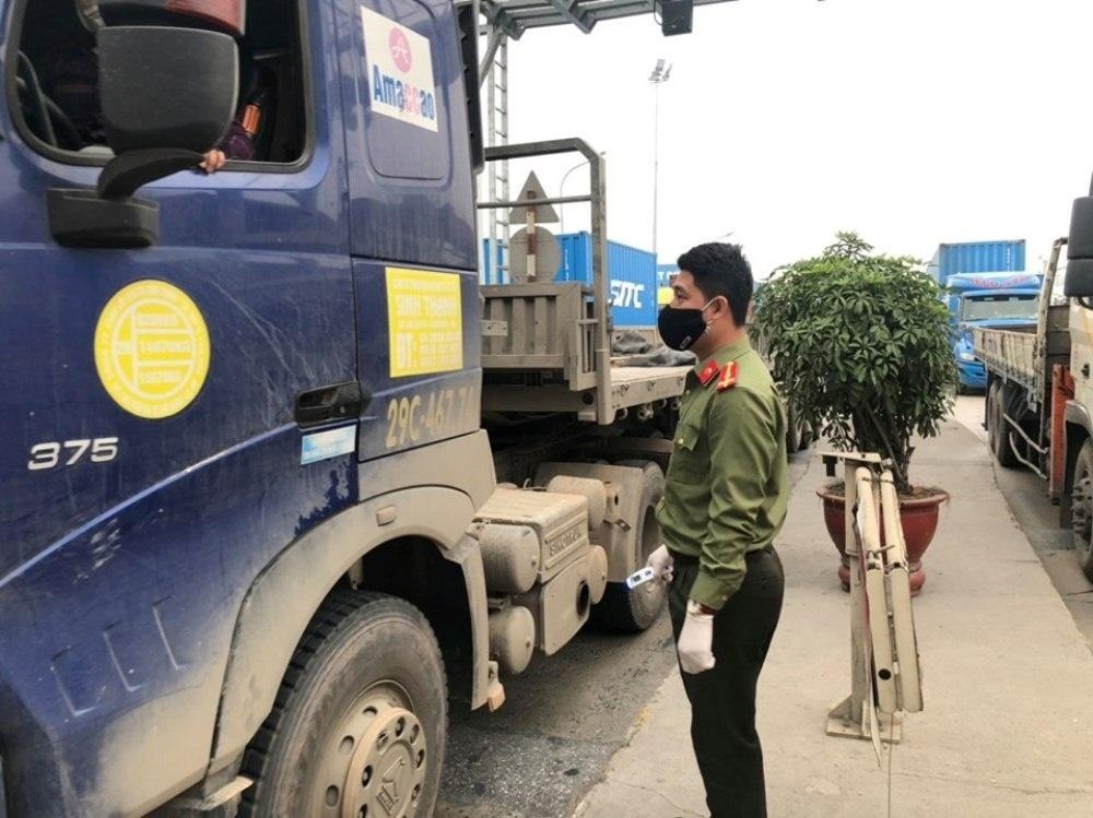 Hải Phòng: Tạm dừng cấp giấy xác nhận và kiểm soát phương tiện vận tải hàng hóa ra vào thành phố