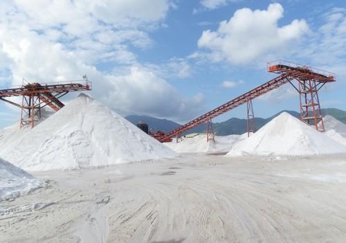 Bộ Xây dựng lập Đoàn kiểm tra về xuất khẩu cát trắng silic