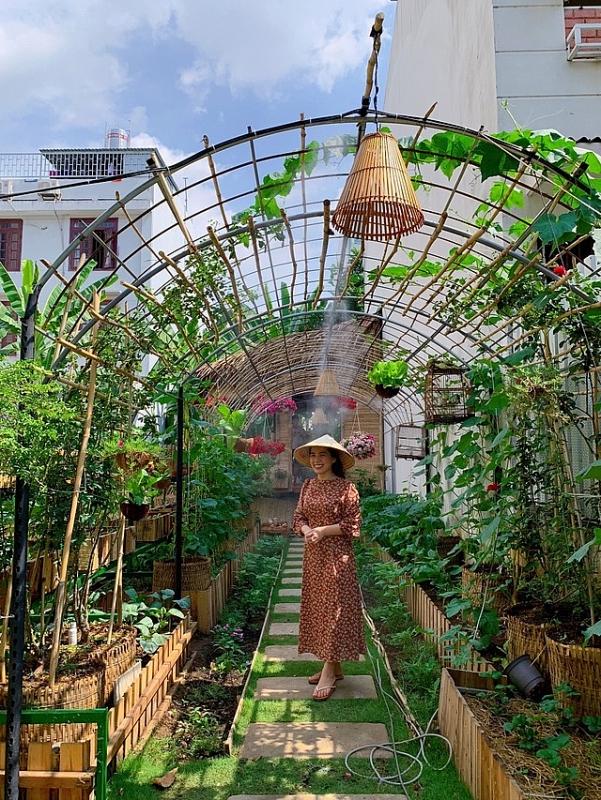2156 image004 - Bỏ 50 triệu đồng cải tạo vườn chuối thành khu sinh thái trong mơ