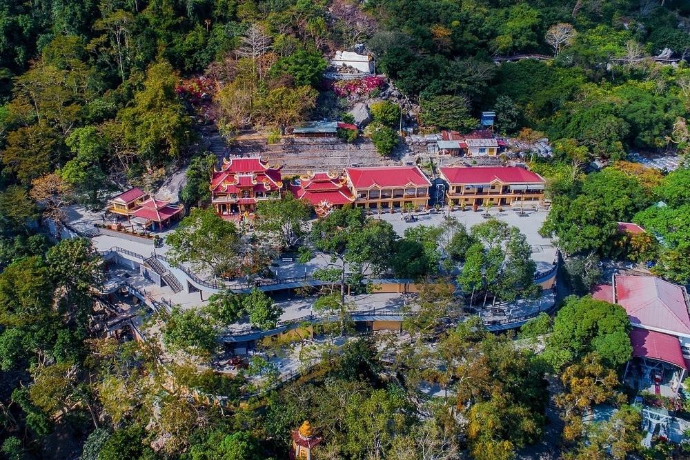 Vì sao núi Bà trở thành điểm đến linh thiêng nhất Nam Bộ