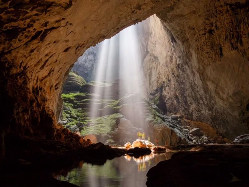 """Khám phá kho báu tự nhiên có một không hai tại """"vương quốc hang động"""" Quảng Bình"""
