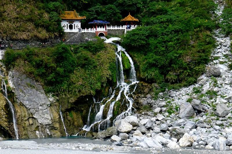 Ấn tượng với vẻ đẹp của thành phố Hoa Liên khi bay thăm Đài Loan
