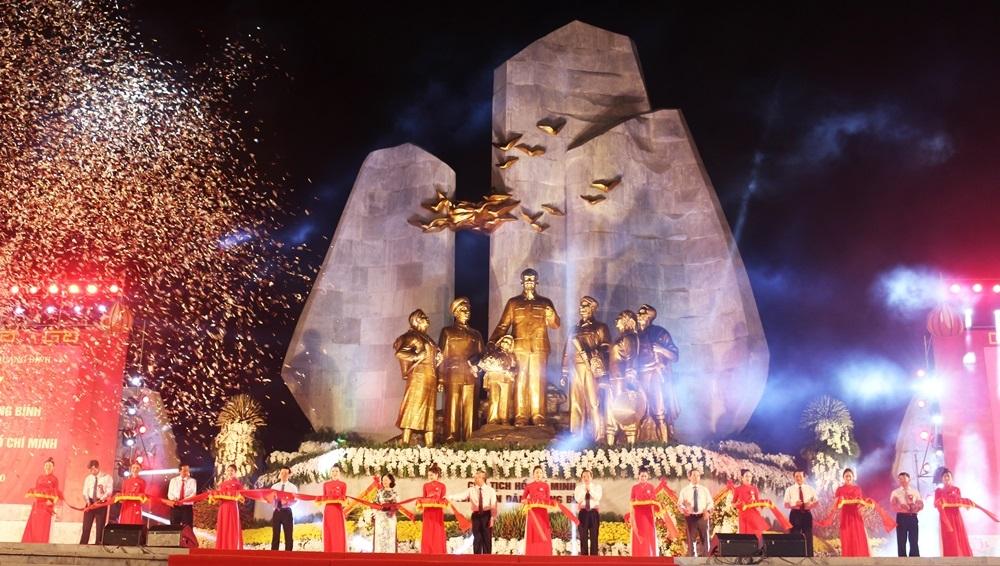 Khánh thành công trình tượng đài Chủ tịch Hồ Chí Minh tại tỉnh Quảng Bình