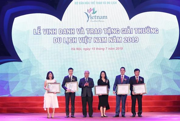 """Tập đoàn FLC giành """"cú đúp"""" Giải thưởng Du lịch Việt Nam 2019"""