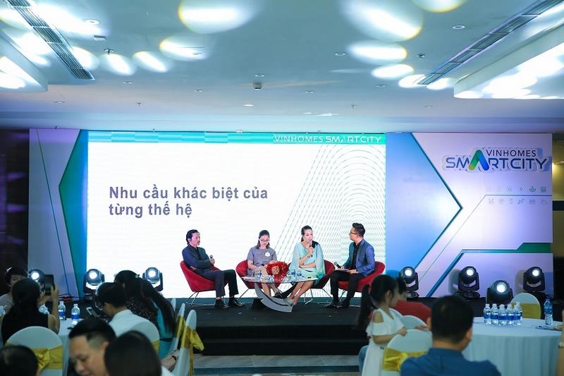 """Hoa hậu Ngô Phương Lan: """"Công nghệ thông minh giúp gia đình gần nhau hơn"""""""