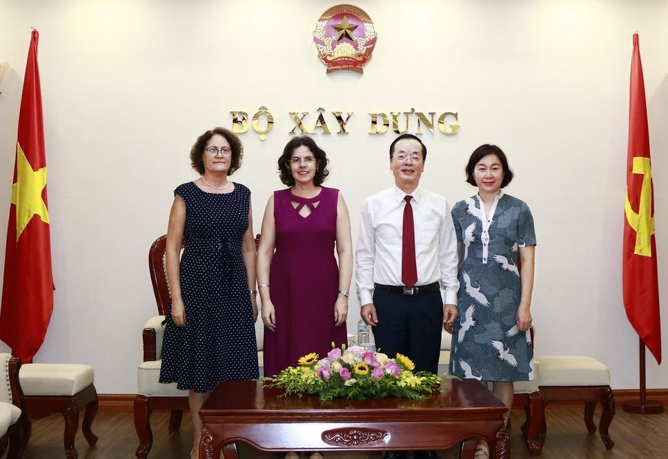 Bộ trưởng Phạm Hồng Hà tiếp Đại sứ Cuba tại Việt Nam