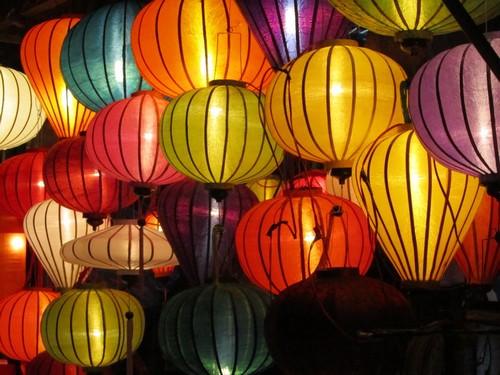 103347baoxaydung 2 Rực rỡ đèn lồng Hội An kỷ lục tại Asia Park Đà Nẵng