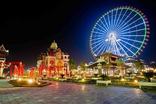 103347baoxaydung 4 Rực rỡ đèn lồng Hội An kỷ lục tại Asia Park Đà Nẵng