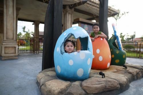 103449baoxaydung 10 Rực rỡ đèn lồng Hội An kỷ lục tại Asia Park Đà Nẵng