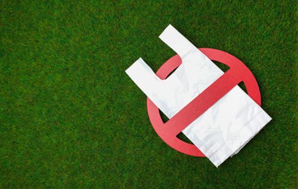 Doanh nghiệp bán lẻ chống rác thải nhựa: Nhìn từ thế giới đến Việt Nam