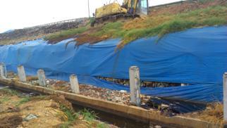 Công tác quản lý thi công màng chống thấm HDPE tách nước mưa cho các ô chôn lấp rác thải