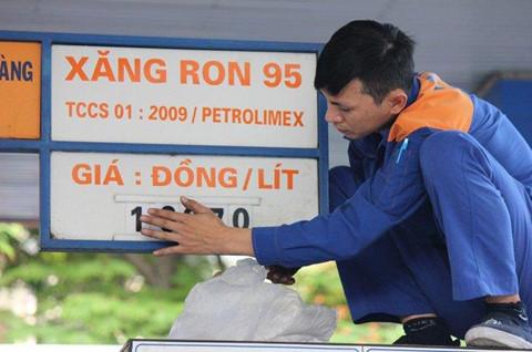 Giá xăng sẽ tăng trở lại vào ngày mai?
