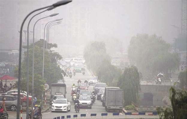 """Không khí đô thị ngày càng """"vấy bẩn"""""""