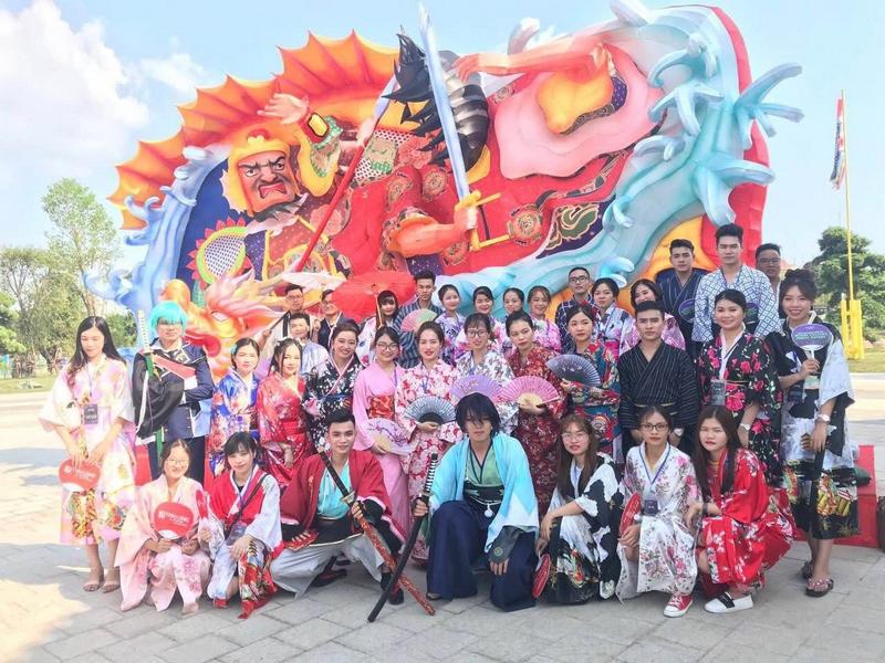 """Cộng đồng cosplay """"phát cuồng"""" với điểm sống ảo mới ở Hà Nội"""