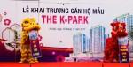 Khách hàng chen chân tham dự sự kiện khai trương nhà mẫu The K – Park