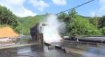Uông Bí (Quảng Ninh): Rửa xe vận tải than trước khi vào đường phố