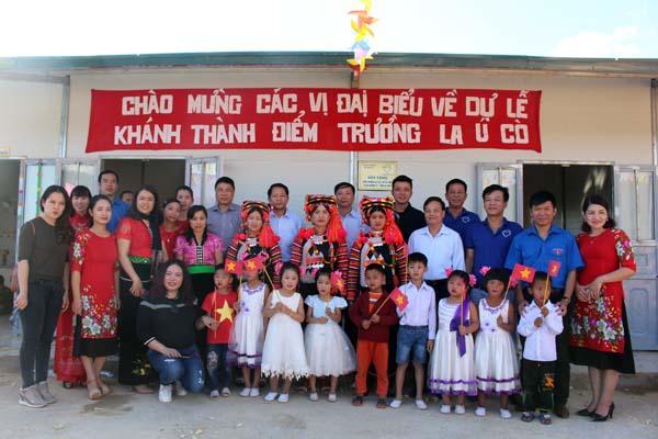 Tân Á Đại Thành trao tặng 05 bồn nước cho Trường mầm non La Ú Cò – Lai Châu