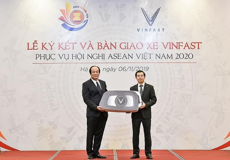 vinfast la phuong tien di chuyen chinh thuc cua asean 2020