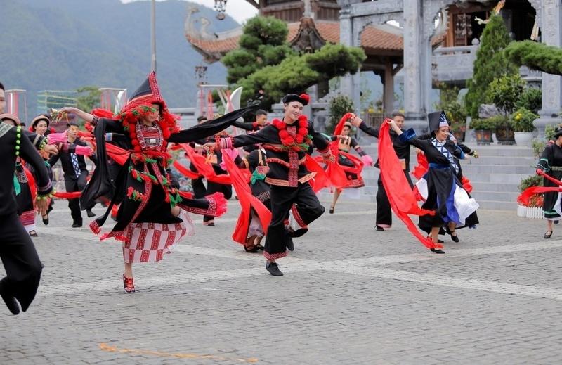Khai thác văn hóa bản địa - cách làm du lịch khác biệt