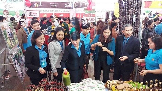 hon 2300 san pham 0 dong danh cho cong nhan lao dong o thanh hoa