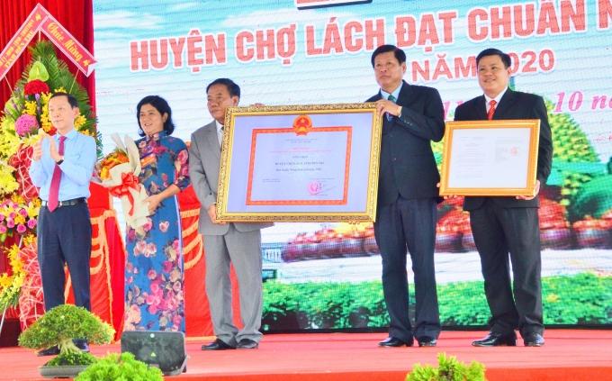 Bến Tre: Công bố huyện Chợ Lách đạt chuẩn nông thôn mới