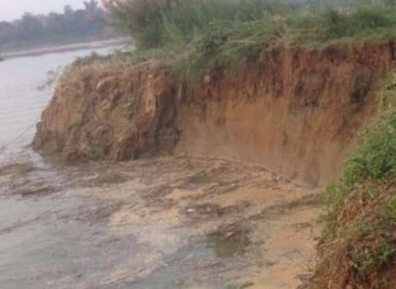 Phù Ninh (Phú Thọ): Sạt lở sông Lô khiến 2 người mất tích