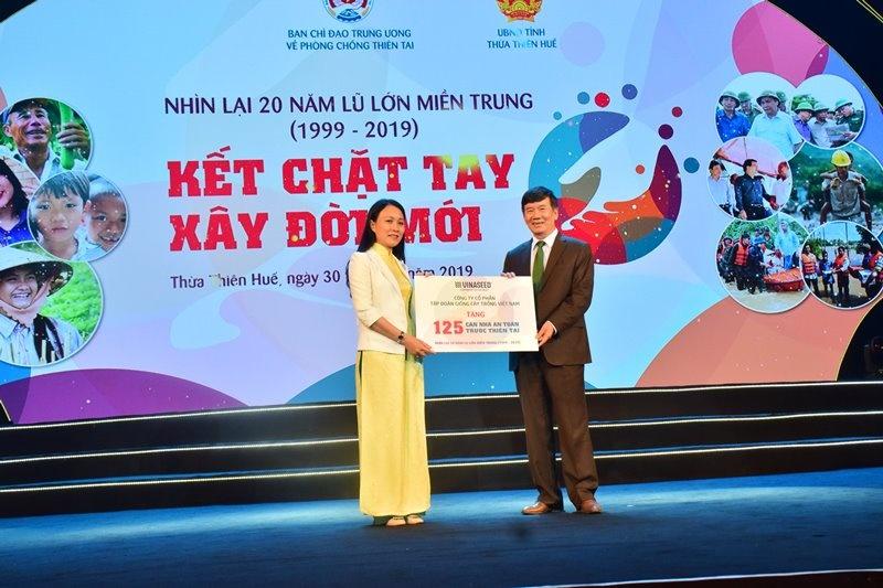 """Chương trình """"Kết chặt tay, dựng đời mới"""" hỗ trợ 175 căn nhà cho người dân miền Trung"""