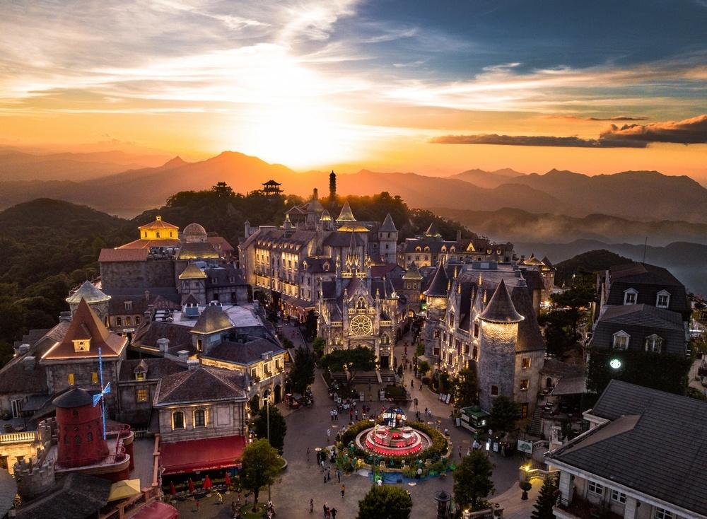 Những cái tên làm rạng rỡ cho du lịch Việt Nam