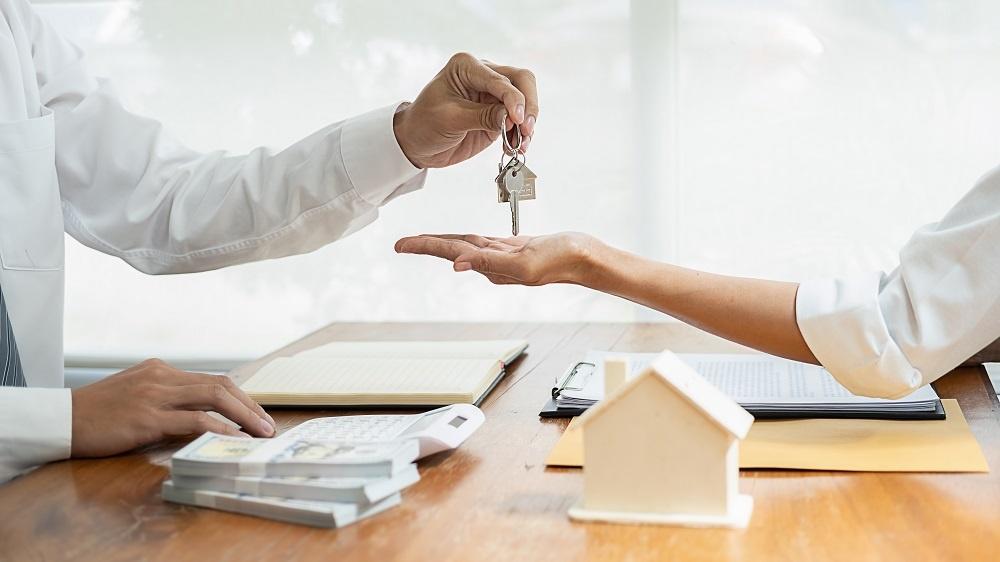 """Từ """"cò đất"""" đến tư vấn bất động sản cấp cao, góc nhìn nào cho đúng?"""