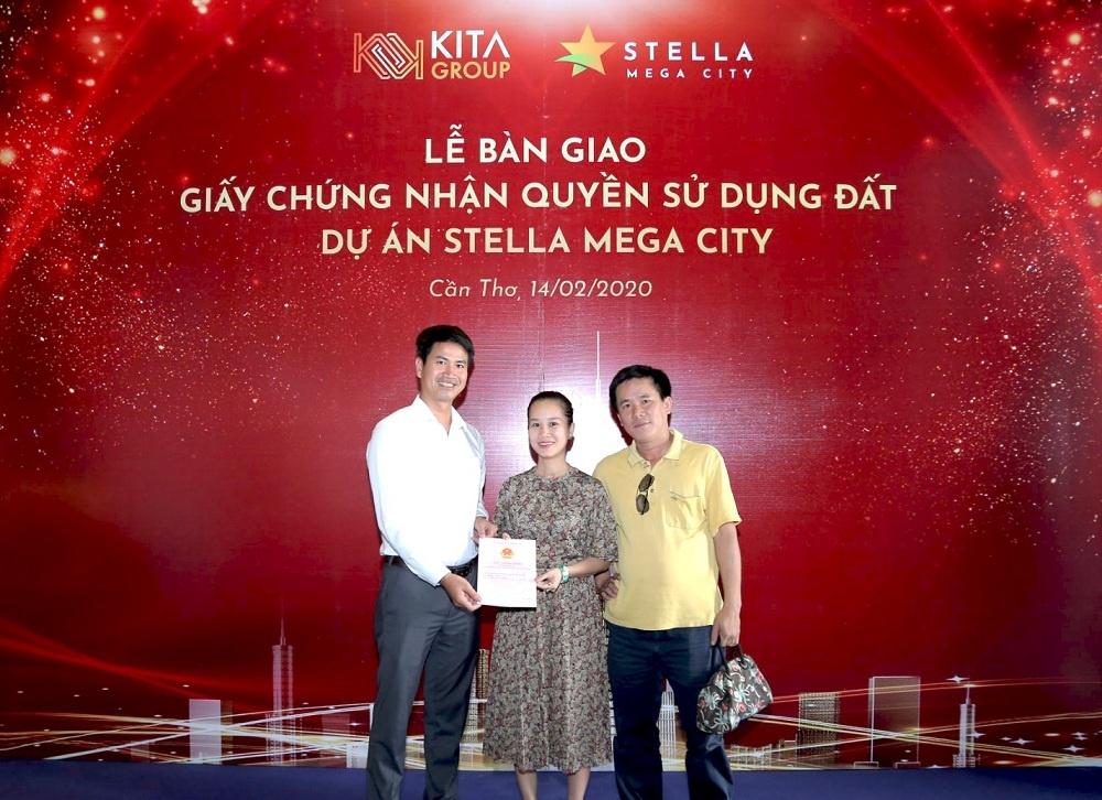 trao chung nhan quyen su dung dat cho khach hang stella mega city