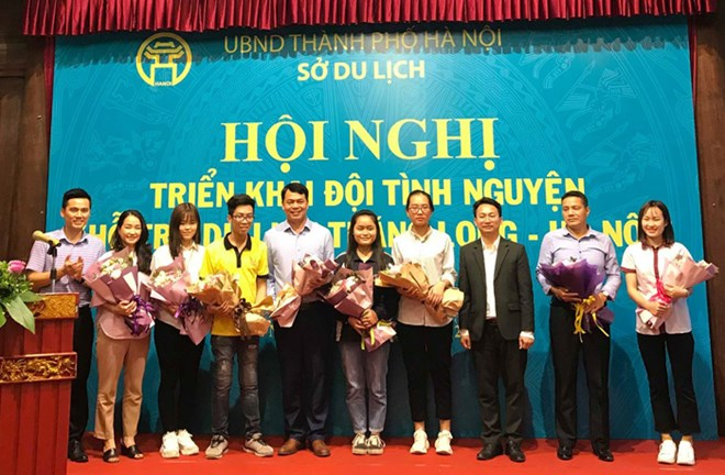Hanoi students promote local tourist attractions