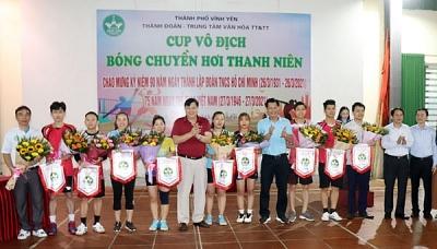 Thành đoàn Vĩnh Yên phối hợp với Trung tâm Văn hóa Thông tin và Thể thao thành phố tổ chức Cúp vô địch Bóng chuyền hơi thanh niên