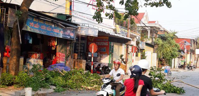 Nghệ An: Liên tiếp mưa đá, lốc xoáy khiến hàng trăm ngôi nhà tốc mái