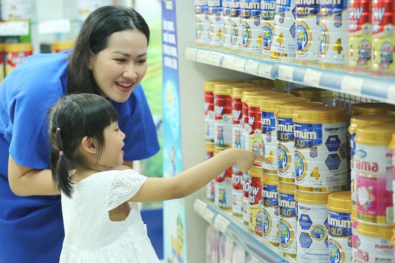 Không chỉ có sữa nước, sữa bột trẻ em Vinamilk cũng đang dẫn đầu thị trường