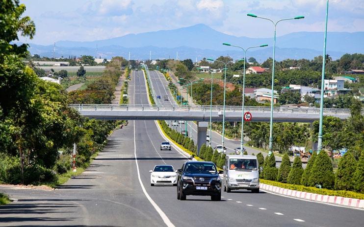 Đánh thức giao thông miền Nam với loạt cao tốc được triển khai