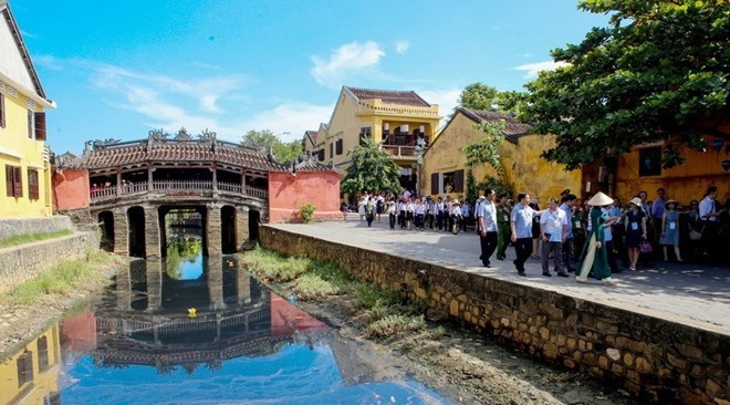 Ancient city to limit tourist access to symbolic bridge