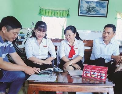 Agribank đưa dịch vụ ngân hàng đến từng hộ dân