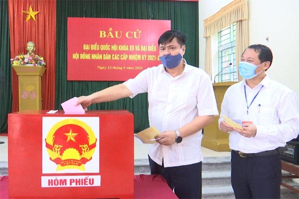 Vĩnh Yên (Vĩnh Phúc): Tính đến 12h30 tỷ lệ cử tri đi bầu cử đạt 91%